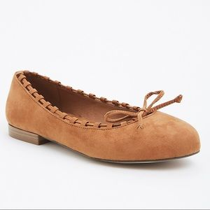 NWOT Torrid Whip Stitch Almond Toe Flat Suede Wide